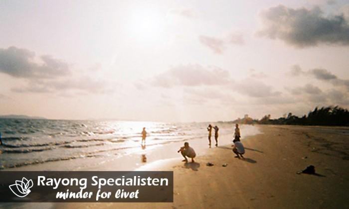 Aktivitet ved stranden i Rayong